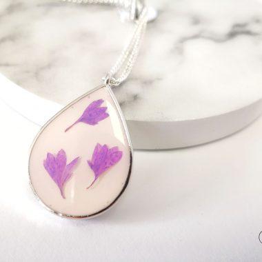 biżuteria naszyjnik z kwiatuszkami