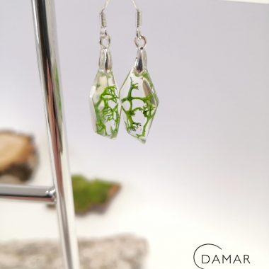 biżuteria kolczyki wiszące z zielonym chrobotkiem