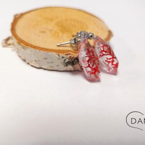 biżuteria kolczyki z czerwonym chrobotkiem