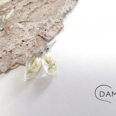 biżuteria kolczyki z kwiatkiem