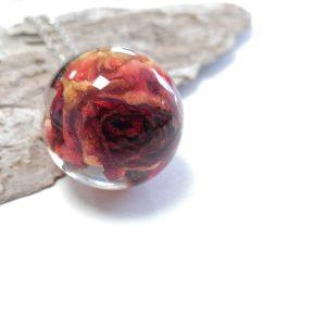 biżuteria naszyjnik róża w kuli